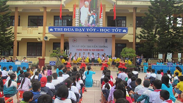 Quang Binh red cross: organizing a communication event to prevent landmine / uxo accidents