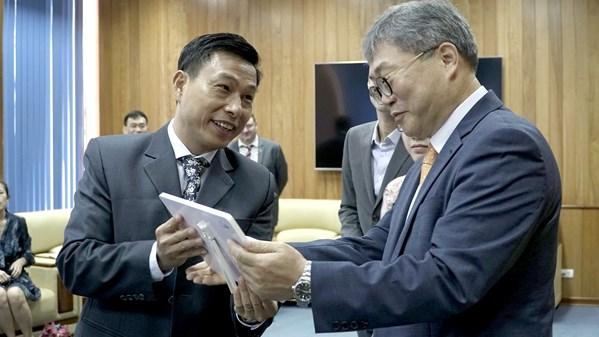 Giám đốc KOICA tham dự cuộc họp đánh giá kết quả 3 năm thực hiện dự án Việt Nam - Hàn Quốc hợp tác khắc phục hậu quả bom mìn sau chiến tranh