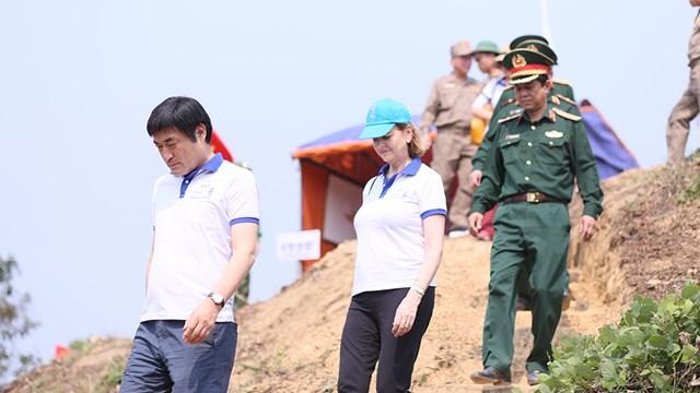 """Kiểm tra tình hình thực hiện dự án """"Việt Nam - Hàn Quốc Hợp tác khắc phục hậu quả bom mìn sau chiến tranh"""""""
