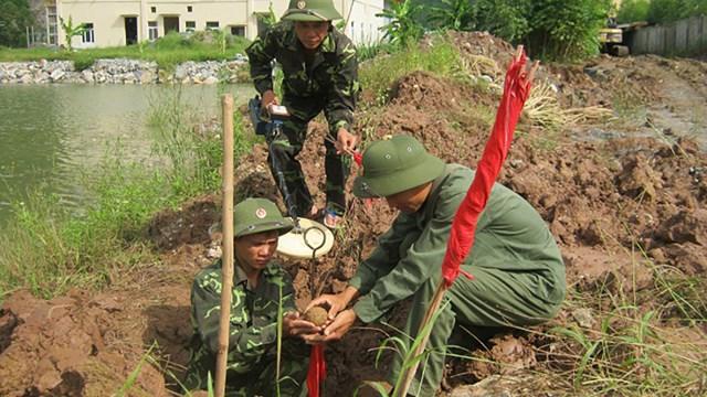 Sớm đưa Việt Nam thoát khỏi ô nhiễm bom, mìn