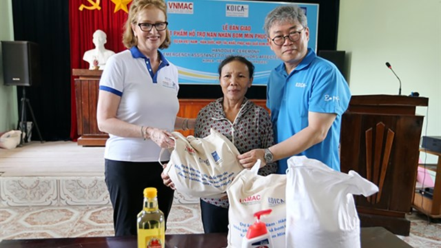Unexploded ordnance survivors receive COVID-19 aid from international organisations