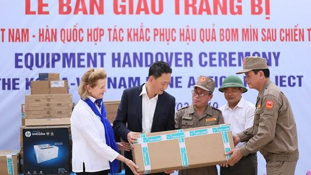 Huy động và trang bị đầy đủ thiết bị cho 23 đội khảo sát và 45 đội rà phá tại Quảng Bình và Bình Định