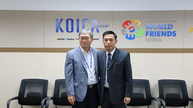 Giám đốc KOICA Việt Nam tiếp Tổng giám đốc Trung tâm Hành động bom mìn quốc gia Việt Nam - VNMAC