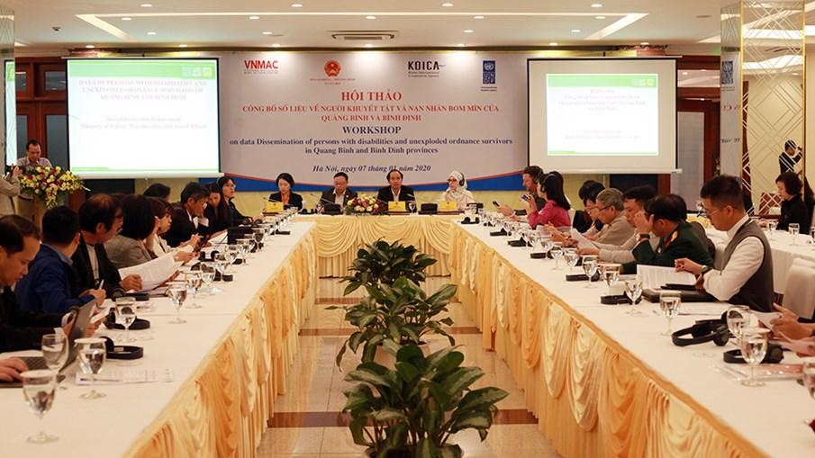 Lần đầu tiên công bố số liệu chính thức về người khuyết tật và nạn nhân bom mìn tại tỉnh Quảng Bình và Bình Định