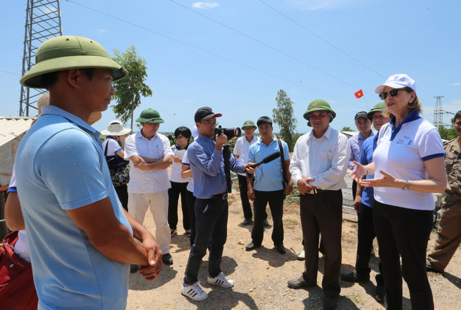 Quang Binh: UNDP, KOICA and VNMAC representatives were impressed by the changes in the lives of local people