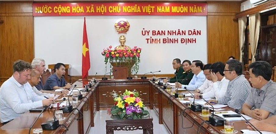 Binh Dinh Province coordinated to carry out mine clearance to overcome consequences after the war