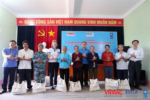 Hỗ trợ nạn nhân bom mìn tỉnh Quảng Bình bị ảnh hưởng bởi đại dịch COVID-19